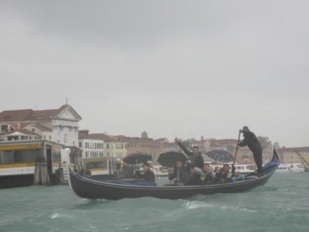 Acqua Alta - Windy gondola ride