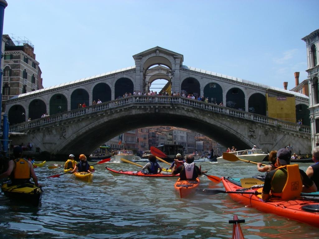 Kayaks at Ponte Rialto