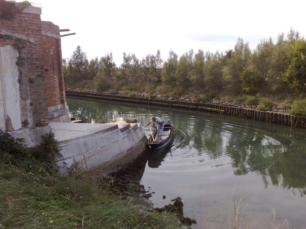 Stopping at Poveglia