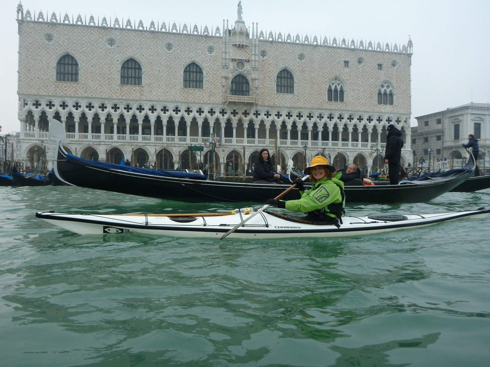 Loretta overtaking a gondola at San Marco