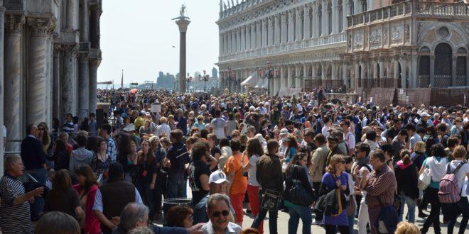 """Detourism"" in Venice"