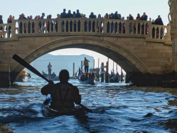 Ponte di Paglia con Giovanni e gondole