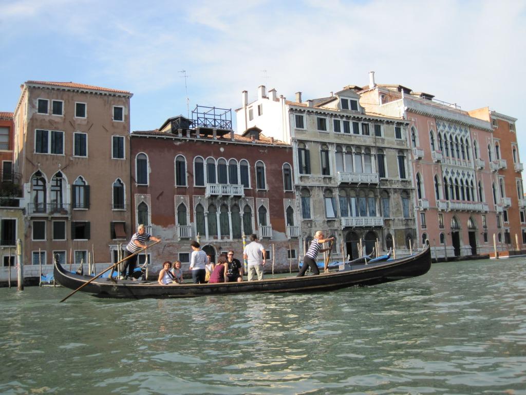 Female Gondoliere - Giorgia - Traghetto San Toma'