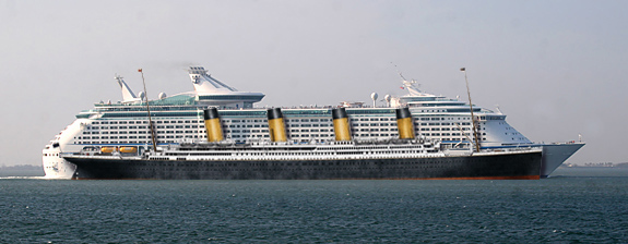 The size of the Titanic compared to a modern cruise ship