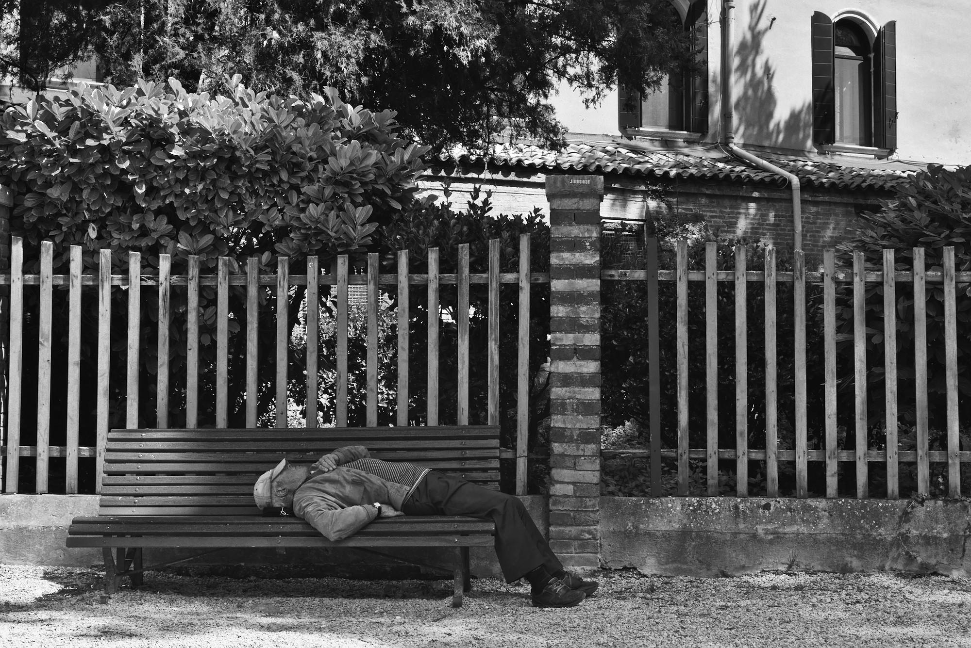 Fifteen minutes in a Venetian park